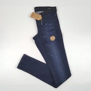 Dark Skinny Jeans {Klique B.}